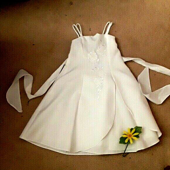 Cinderella Coulture Wte Confirmation Flower Girl Dress w/Satin Stitching Size 4