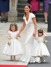 Pippa Middleton UNSIGNED photo - D1795 - Royal bridesmaid