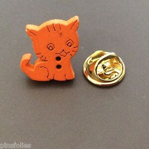 Pin-039-s-Folies-petit-pin-039-s-bois-Wooden-badge-mignon-chat-cat-2