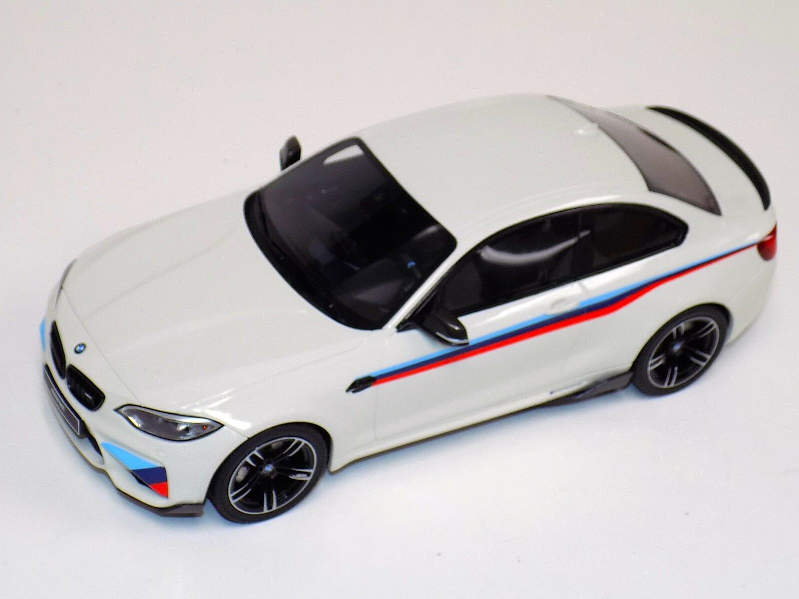 toma 1 18 GT Spirit Spirit Spirit BMW M2 GT758 2016 blancoo en la parte súperior y base de cuero  gran descuento