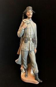 Lladro-Guardia-Civil-Spanish-Soldier-Policeman-Guard-Figurine-11-5-inches-Km-6