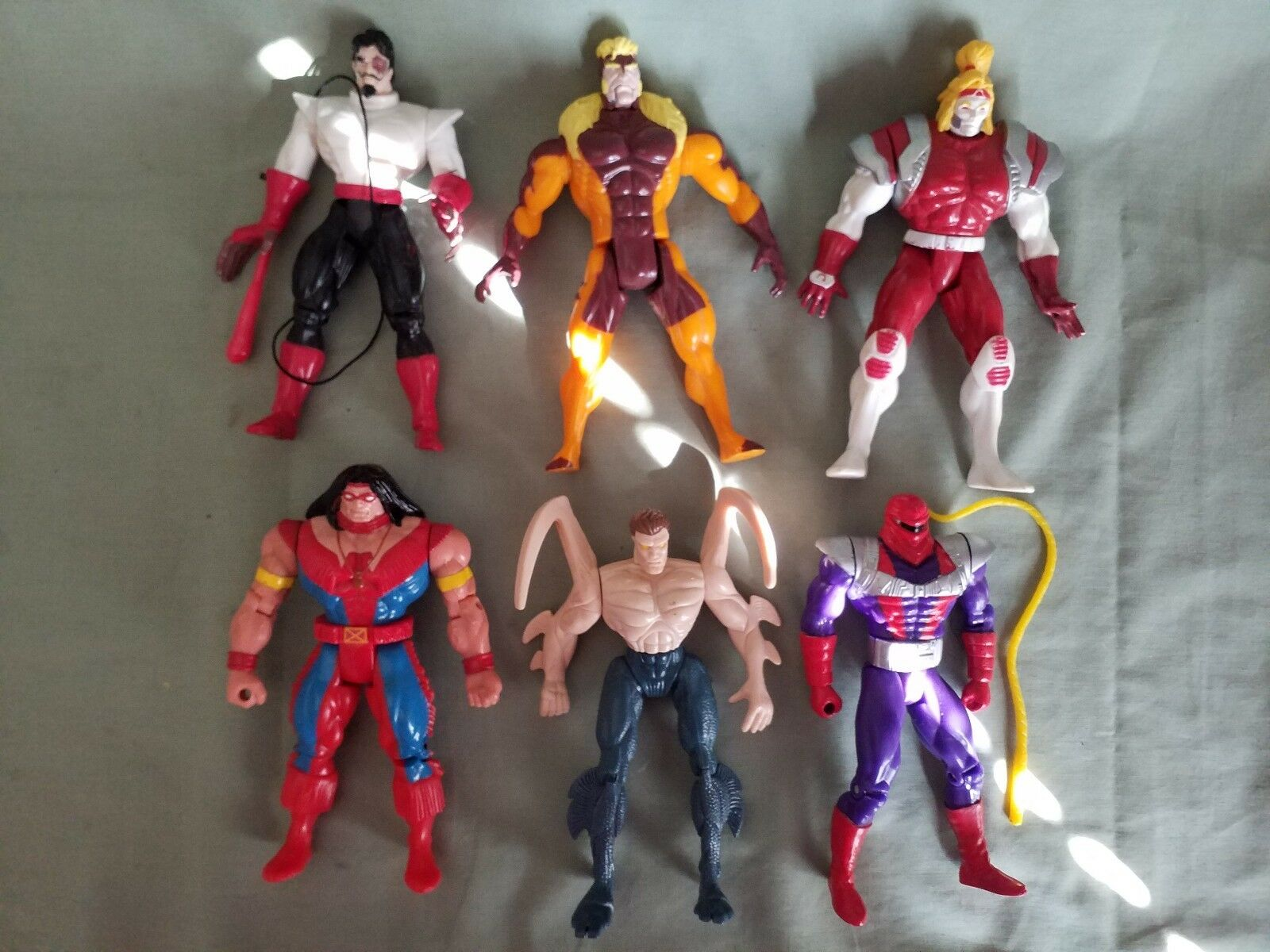 Marvel  Action Figure lot with of 6 with lot accessories. ● 3630e4