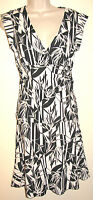 Bcbg Black & Cream Palm Print Silky Skirt & Top Set Size Small