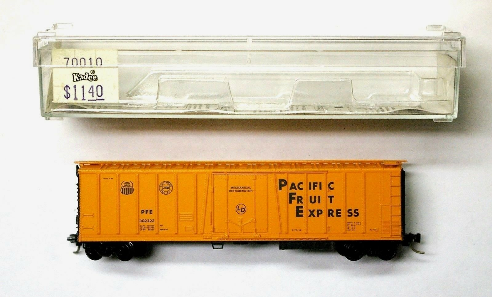 MINT MICRO TRAINS 468 00 141 BNSF 48FT RIBBED CONTAINER # 280865