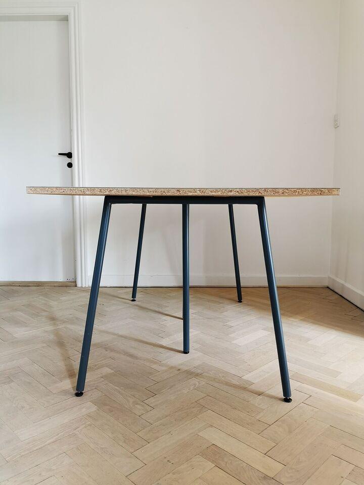 Spisebord, Linoleum, spånplade og stål