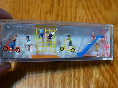 Preiser HO #10616  Children w/Accessories -- 7 Children, Slide, 2 Scooter, Rope