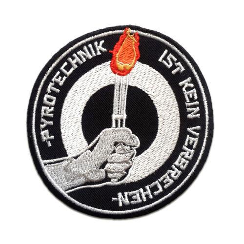 Aufnäher // Bügelbild Pyrotechnik ist kein Verbrechen Fußball weiß Ø8,6 cm