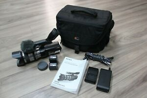 Sony-NEX-VG10-Interchangeable-Lens-Handycam-Camcorder-18-200mm-2-Batt-Bag