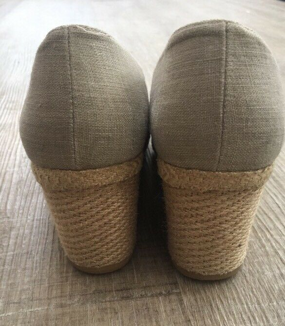 L.K. Bennett 39 8.5 Playform Open Toe Canvas Taupe Schuhes Damenschuhe EUC