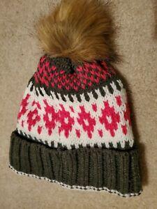 Alotta Knitz Colorado Knitted Beanie/Hat w/ Pom