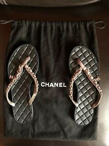 CHANEL-Gray-Quilted-Chain-CC-Suede-Thong-Sandals-size-36-675