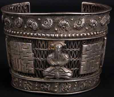 Chinois Cinese Preisnachlass China 19./20 Silber Jh A Chinese Silver Repousse Bracelet