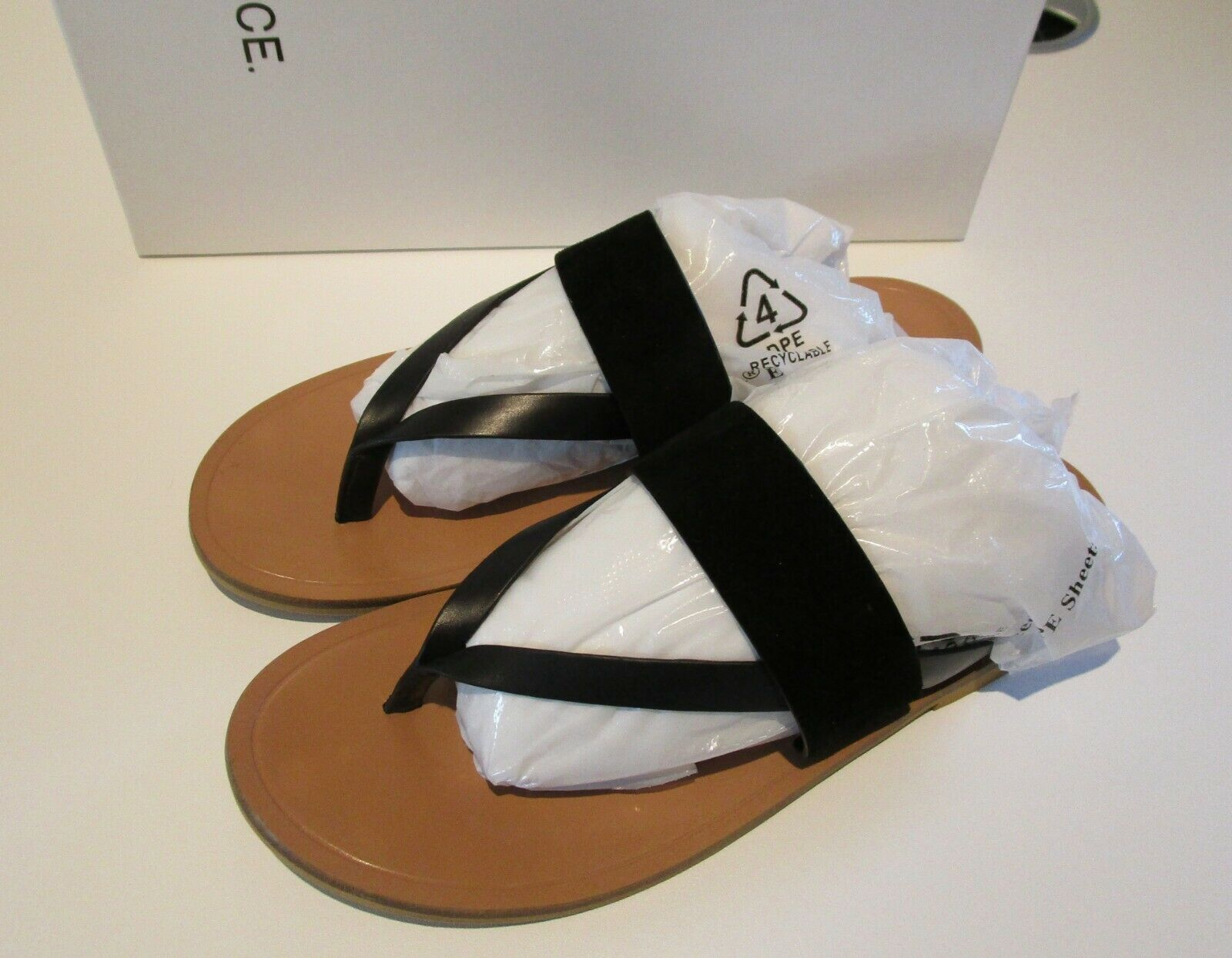 VINCE TESS Thong Sandals Sz 8 8 8 nero Suede Leather Sandal Thongs Worn ONCE ac2776