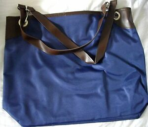 Double-Sided-Tote-Bag-with-Separate-Zip-Pouch-Make-Up-Bag