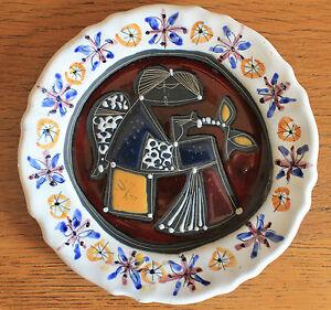 """BAROCCO - Assiette signée - Décor Cubiste émaillé - Pièce unique - France - Superbe Assiette réalisé par les artistes de """"BAROCCO"""" Signée en gravure au dos """"BAROCCO - CM19 - 600""""Pour collectionneurs avertis, les pices de BAROCCO sont rares sur le marché. La faade est impeccable, deux petits éclats signaler au dos, C - France"""