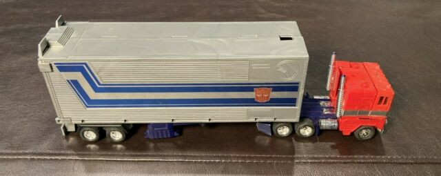 Transformers G1 OPTIMUS PRIME  AUTHENTIC Vintage 1984 Takara ALMOST COMPLETE