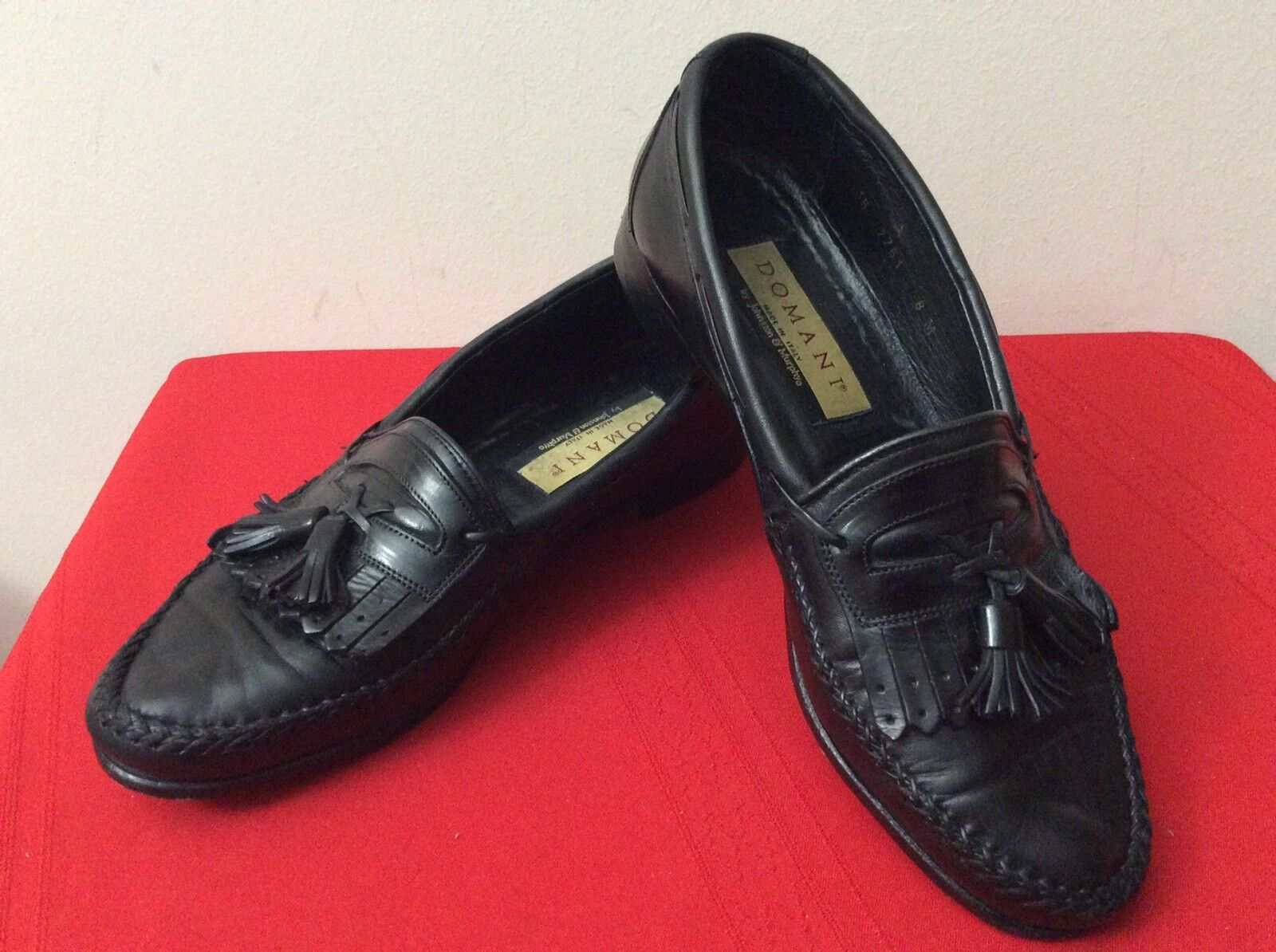 JOHNSTON AND SZ MURPHY DOMANI KILTED TASSEL LOAFER SHOES MENS SZ AND 8 BLK (bx25) 55c800