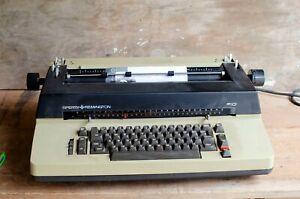 Vintage-Sperry-Remington-SR101-Typewriter