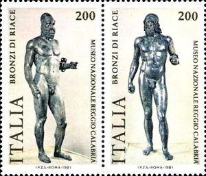 ITALIA-ITALY-1981-200-Lire-x-2-Bronzi-di-Riace-Art-Statue-Stamps-MNH
