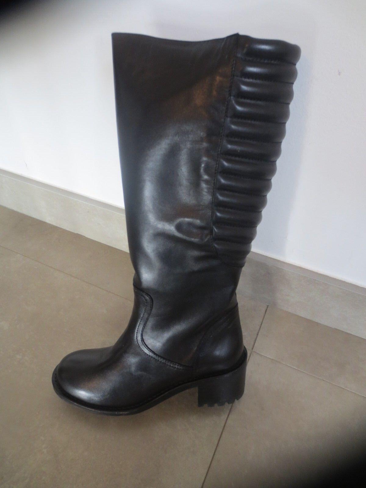 Bottes M par M cuir black  NEUVE Valeur 175E Talon 5cm Pointures 36,37,38,39,40.