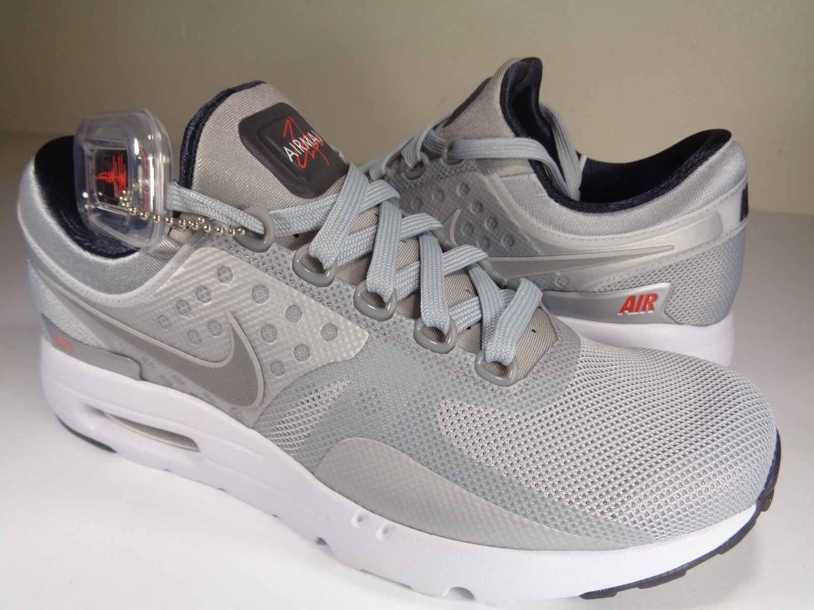 Nike Mens Air Max Zero QS Metallic Silver Black SZ 8    Womens 9.5 (789695-002)