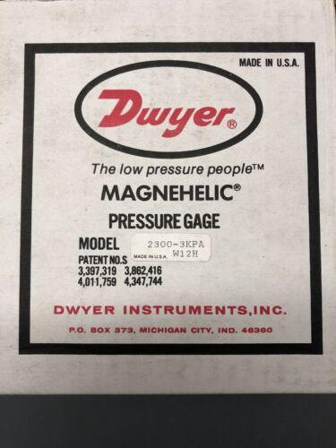 DWYER MAGNEHELIC PRESSURE GAUGE 11M-1 NEW 2300-3KPA 1.5-0-1.5 KILOPASCALS.