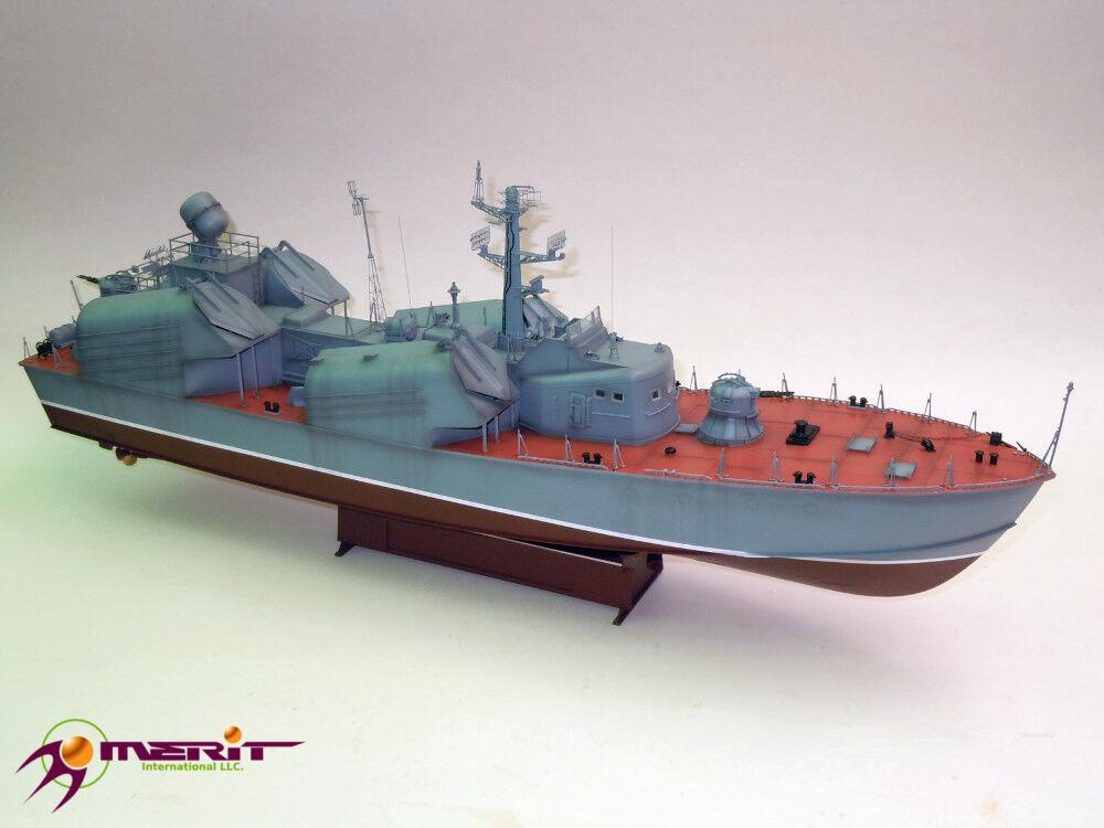 CORVETTE LANCE-MISSILES SOVIETIQUE OSA-1 - kit MERIT INTERNATIONAL 1 72 n° 67201