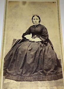Antique-Civil-War-Era-Beautiful-Fashion-Dress-Woman-New-Hampshire-CDV-Photo