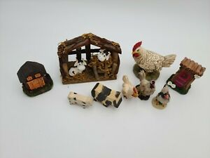 Lot-of-Small-Cow-and-Rooster-Figurines-with-Barn-and-Outhouse