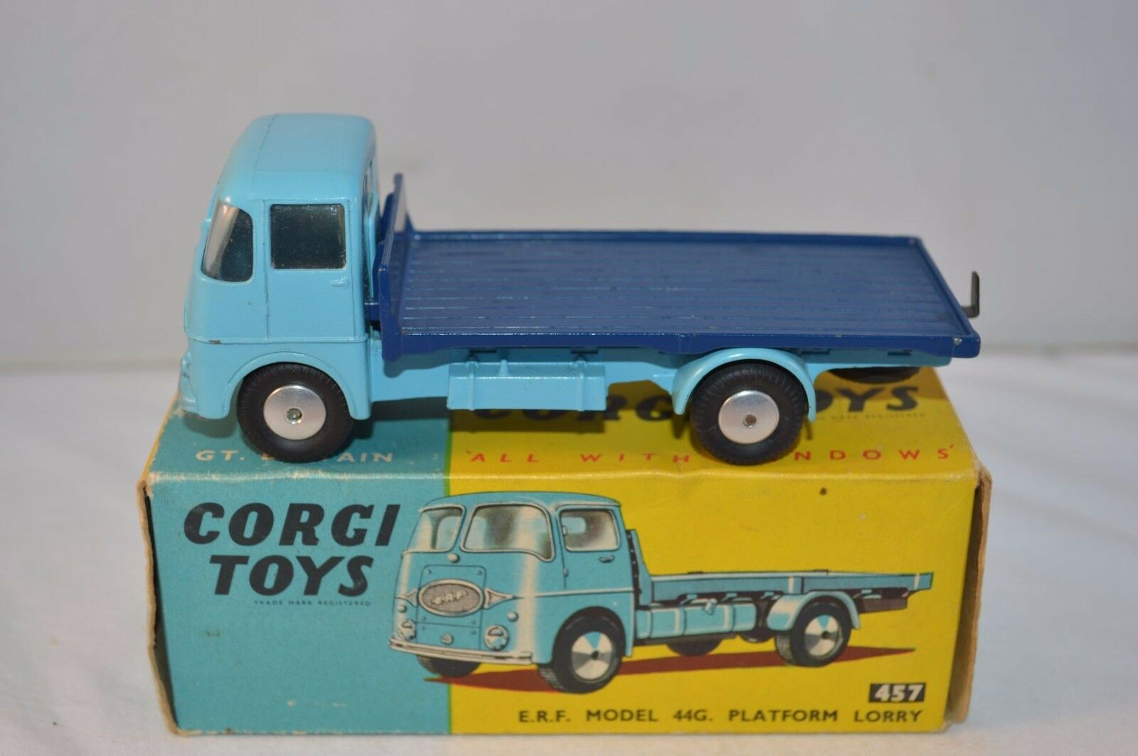 Corgi Toys 457 E.R.F. Model 44G Platform Lorry perfect perfect perfect mint in box 8ab808