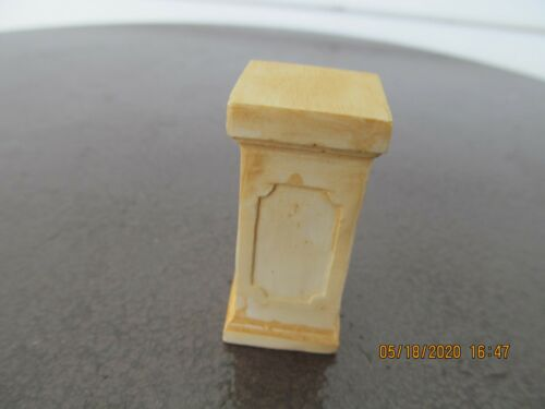 DOLLHOUSE MINIATURE  INCH SCALE PEDESTAL PILLAR