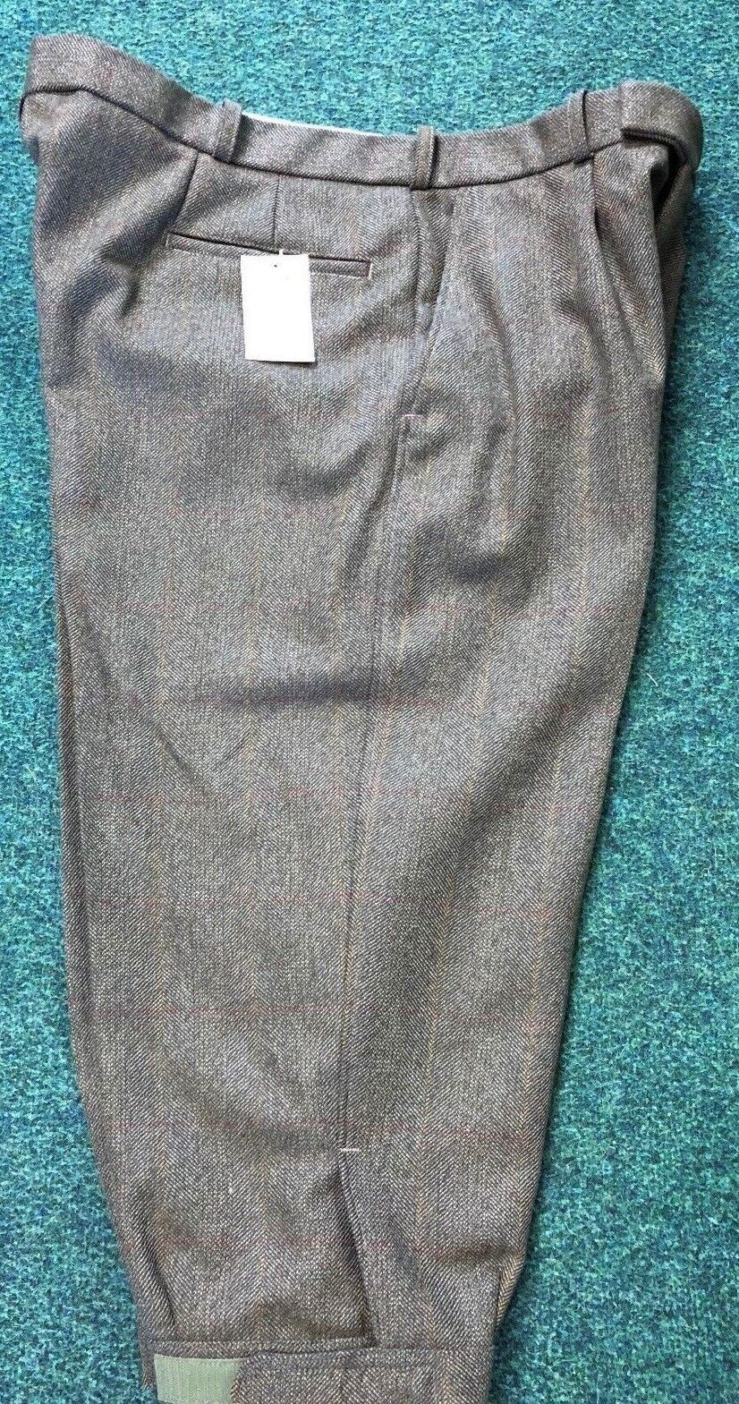 Mens Holden Tweed Plus Two's Made 42  Waist Sale Price.