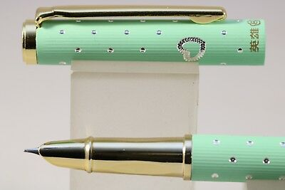 3166A Tartan Pearl Black Extra Fine Fountain Pen with Gold Trim HERO No