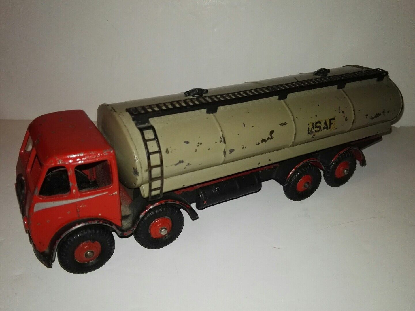 Dinky Toys -Foden 14 -Ton Tanker 504 First version  Dinky Super Toys Meccano