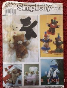 Simplicity-8363-Stuffed-Bears-and-Accessories-One-Size-CUT