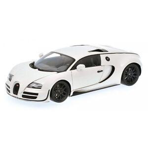 minichamps 2011 bugatti veyron super sport white w black. Black Bedroom Furniture Sets. Home Design Ideas