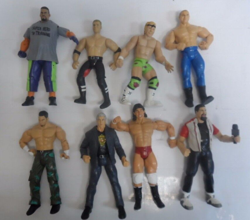 VINTAGE LOT OF 8 WWE ACTION FIGURES WRESTLING 7   9784-1 A   4