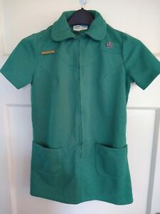 VINTAGE-Girl-Scout-Dress-Uniform-with-Pins-Polyester-Girls-Size-10