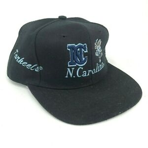 Vintage-Carolina-Del-Norte-Tar-Tacones-Beisbol-Gorra-Todo-sobre-Estampado-Negro