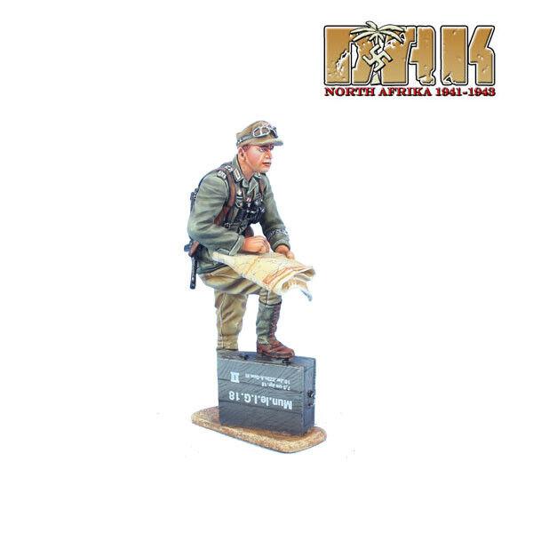 DAK043 DAK043 Das Deutsche Afrika Korps Officer with Map by First Legion