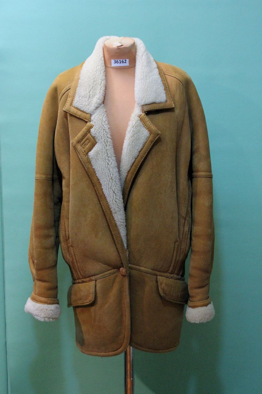 Schöner Lamm Fell Mantel GR 38 aber XL  rauh Leder brown vintage shearling