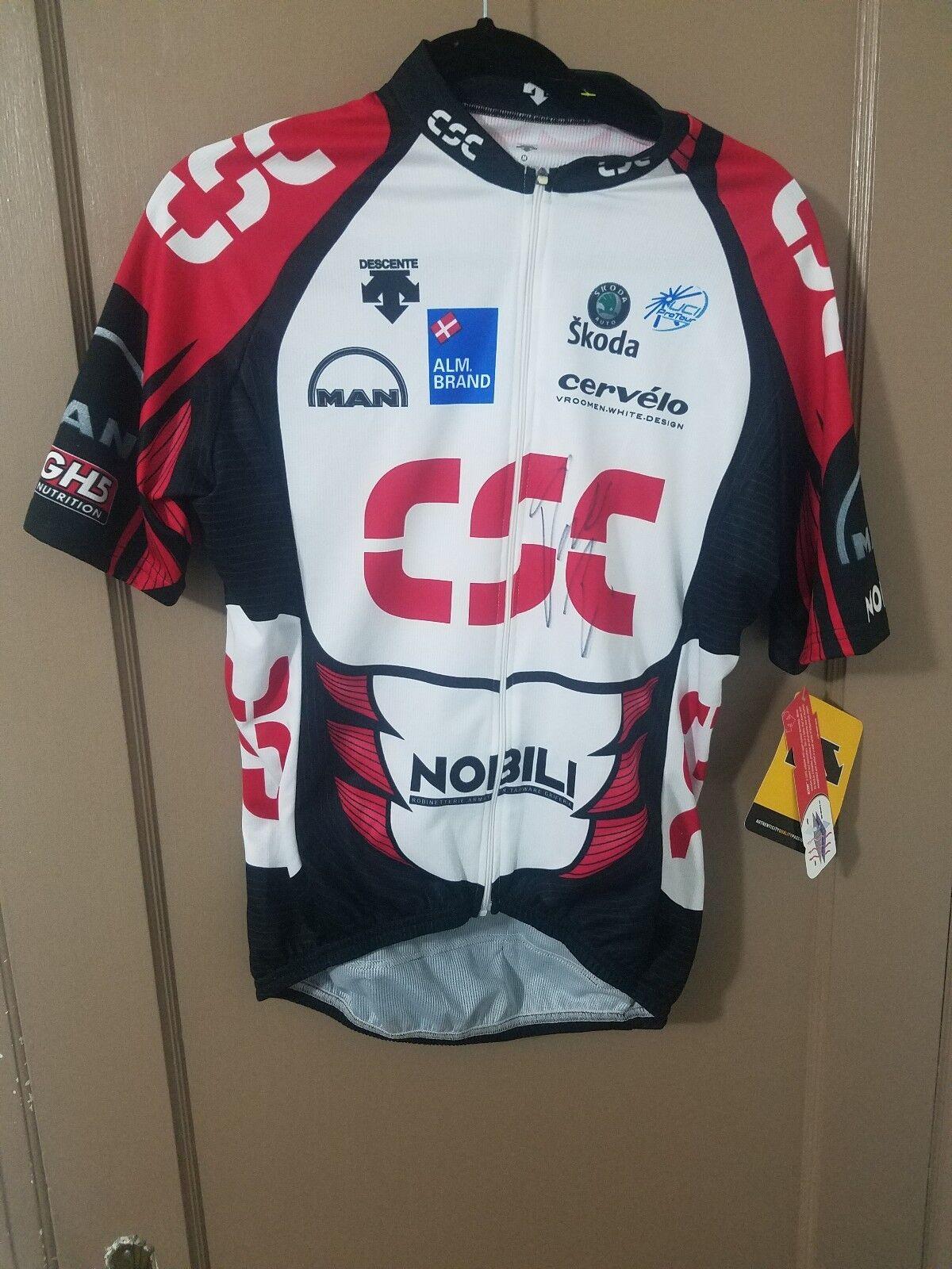CSC DESCENTE cycling jersey SIGNED BY David Zabriskie  M MENS.