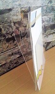 KERMAX-Prospektklappe-aus-Acrylglas-fuer-KERMAX-Prospekt-Katalogschraenke