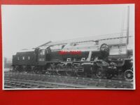 PHOTO  LMS 2-8-0 CLASS 8F LOCO NO 8111 AT CREWE WRK 25/2/39 BR 48111