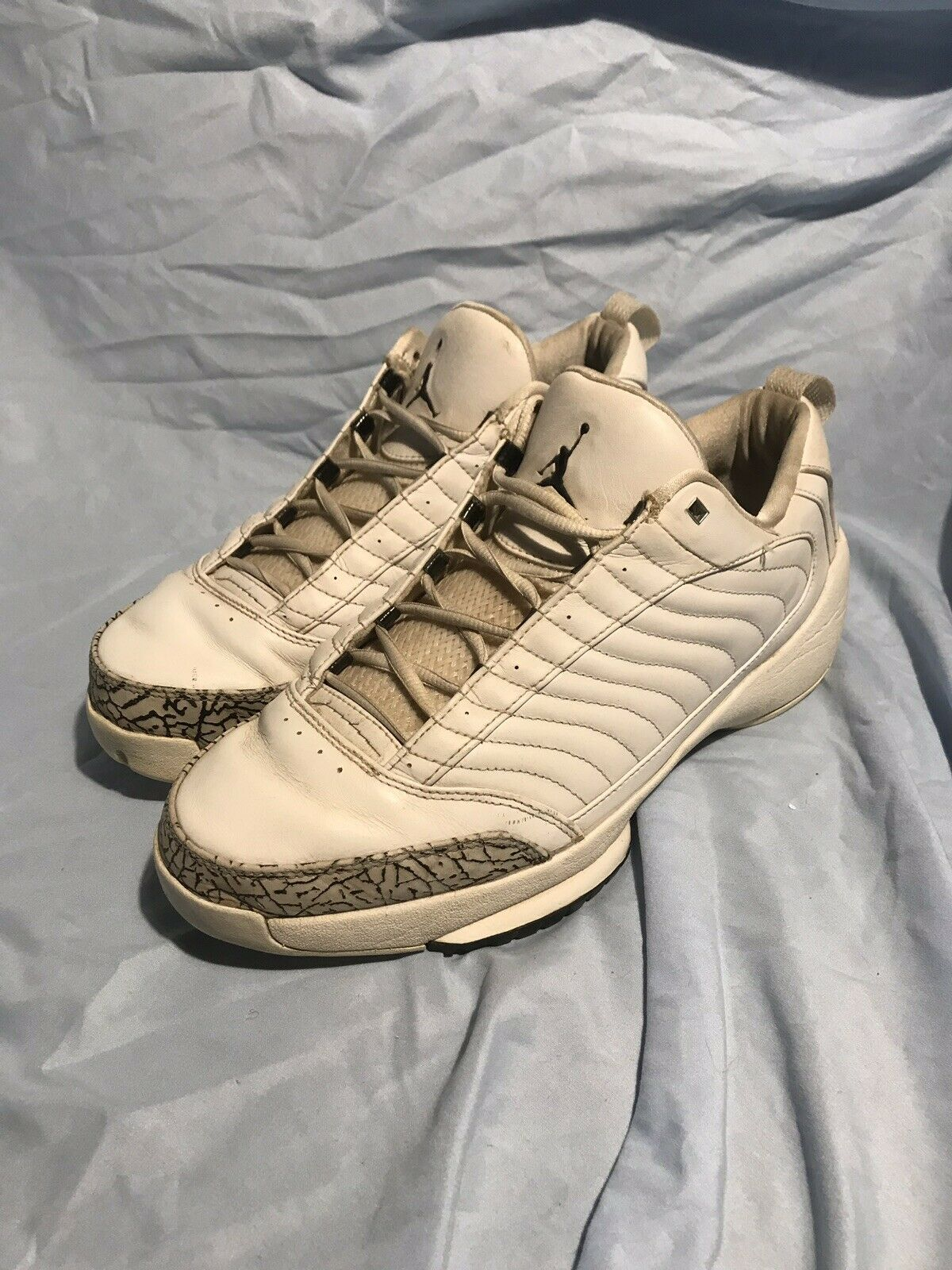 2004 19s Lows Size 12 Nike, Air Jordan, Retro, OG,Vintage White Grey Cement