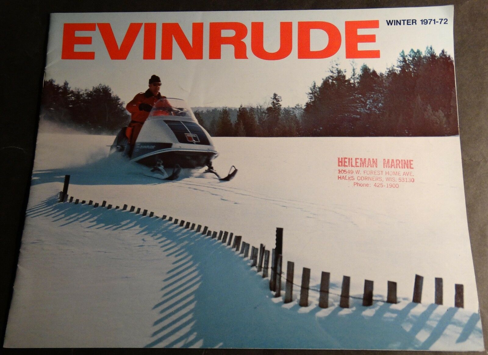1972 EVINRUDE FULL LINE SNOWMOBILE SALES BROCHURE 12 PAGES  (909)