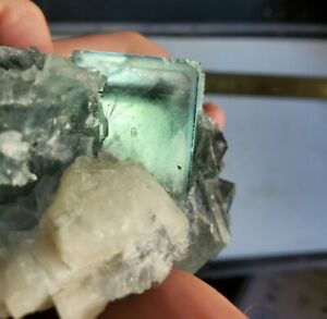 Fluorite-Crystals-with-Zoning-and-Phantoms-Gemmy-Specimen-from-China