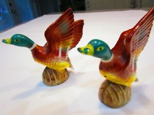 VINTAGE-Porcelain-MALLARD-DUCK-Ready-For-Flight-SALT-amp-PEPPER-SHAKERS-JAPAN