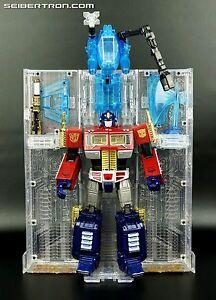 Transformers-MASTERPIECE-GOLD-CHROME-Optimus-Prime-30th-THRILLING-30-MP-10-MIMB
