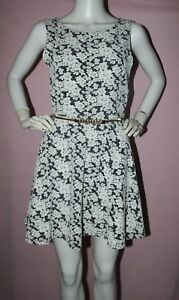 dgoodthings-NWT-Divided-by-H-amp-M-sleeveless-skater-dress-zipped-Vback-size-42